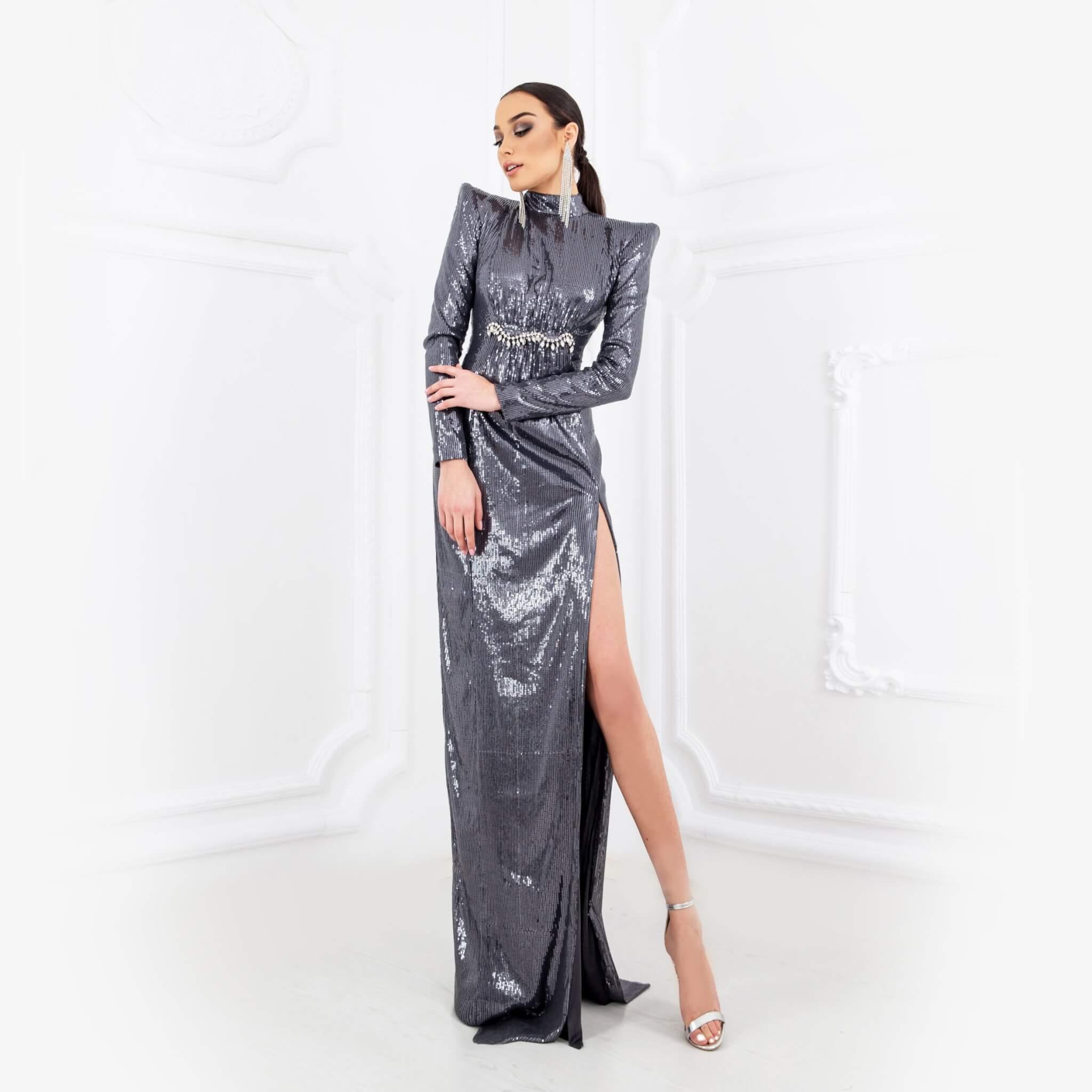 Сива рокля с пайети - 1100 лв.